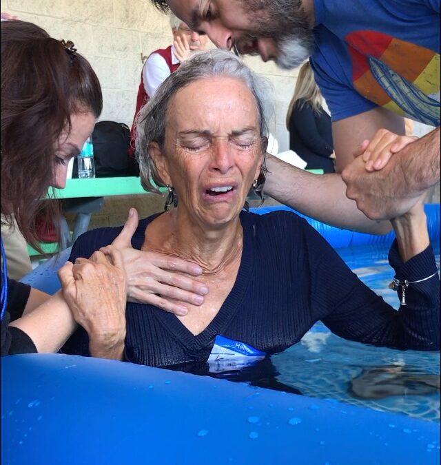 Chicago Revival: Many Saved, Baptized & Set Free