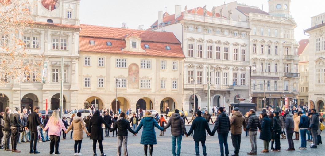 Draw the Circle in Prague